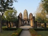 Sukhothai, Wat Si Sawai (12-13 c.). Originally built by the Khmers as a Hindu temple (hence its Angkorian look).
